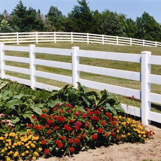 4 Rail Style Vinyl Fence