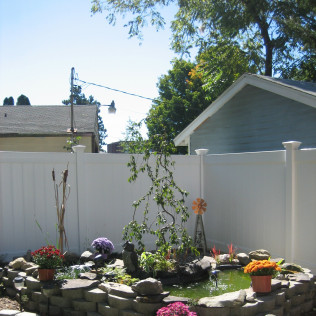 Lakeland Vinyl Fence with Special Post Caps