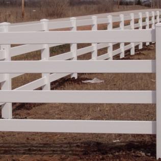 4 Rail Vinyl Fence 2